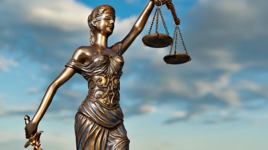 La atribución del uso de la vivienda en caso de que se otorgue una custodia compartida